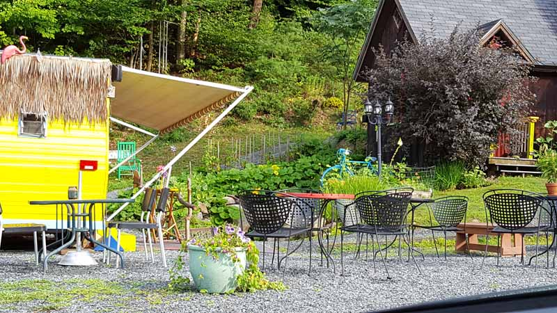 outdoor dining quechee